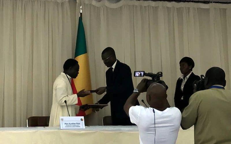 ¡Acuerdo de sede en Benín!